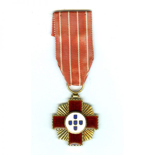Red Cross Merit Cross 1st class with rays between arms silver gilt... 1