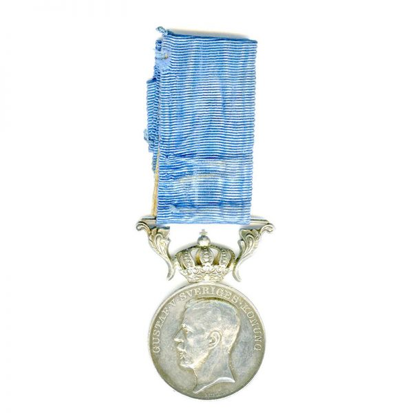 Royal Household medal Gustav V large 1st  type with early crown 1