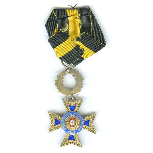 Order of Merit Officer silver gilt (L22365)  N.E.F. £85 2