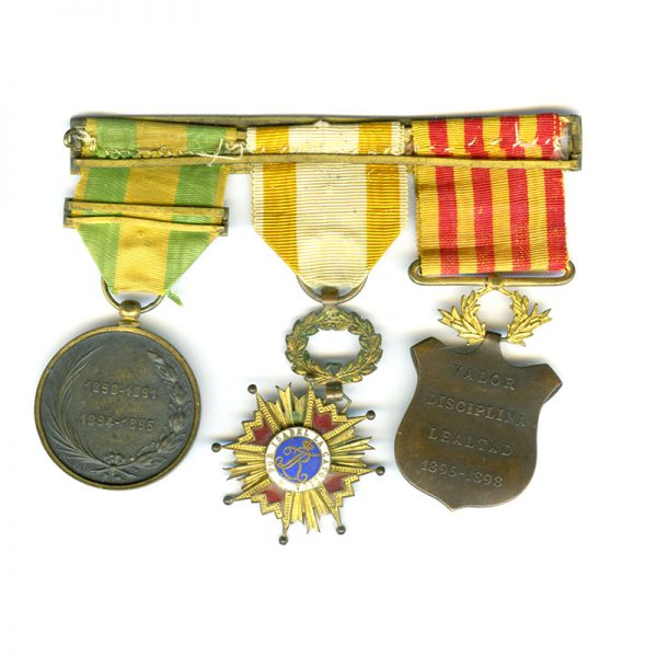 Group of 3: Philippine Campaign medal 1896-1898 2