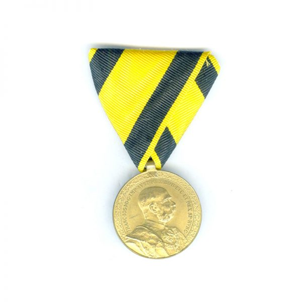 Honour Medal for 40 years Faithful Service military bronze gilt for officers 1