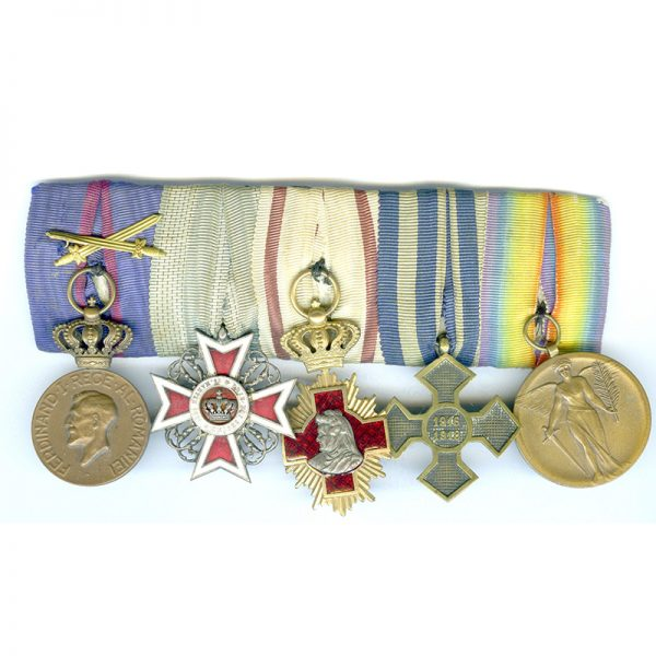Group of 5 mounted as worn court style: Ferdinand Medal 1914-1927 1