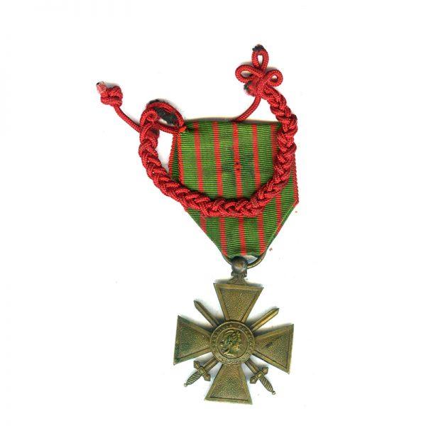 Croix de Guerre 1914-17 with Fourragère (braid) for distinction on ribbon 1