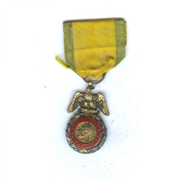 Medaille Militaire Napoleon III Crimea period front has been reenemalled in red 1