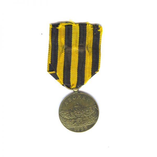 "Dahomey medal 1892 General Dodds medal  ""A Dahomey"" brass 27mm 2"