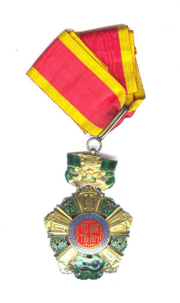National Order of  Vietnam Commander neck badge 1