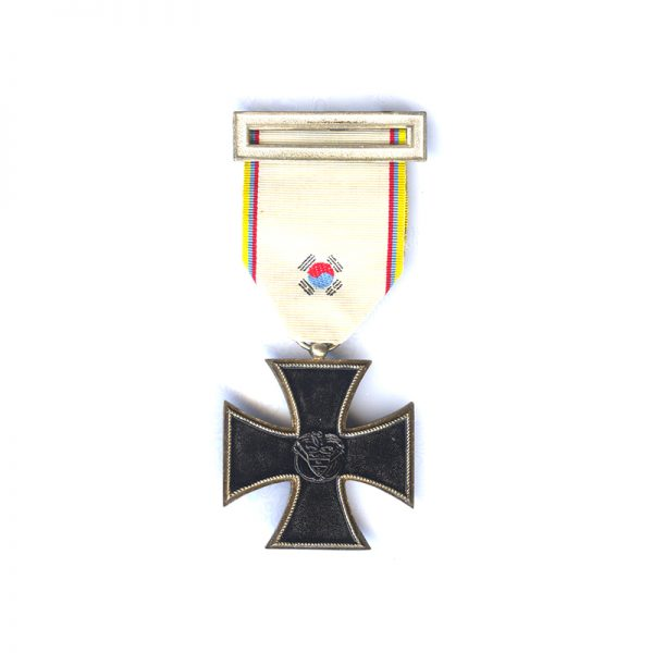 Columbia Iron Cross with embroidered ribbon and top buckle 1