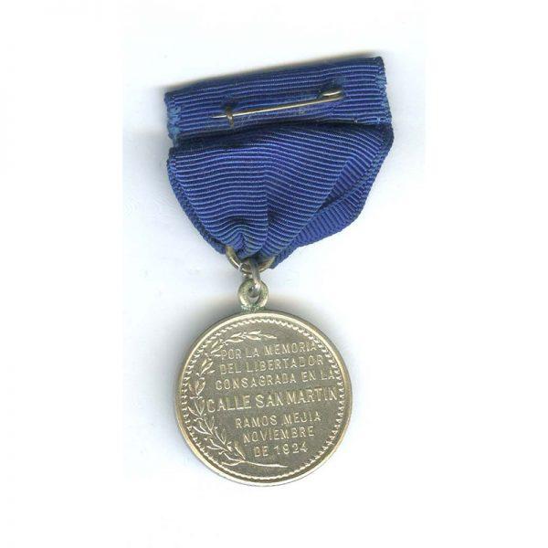 Commemorative medal for San Martin 1924 silver (L22664)  N.E.F. £35 2