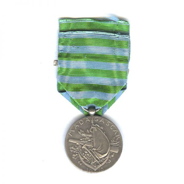 Madagascar medal 1895 with  silver  bar 1895 2
