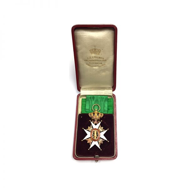Order of Vasa Officer in Gold in fitted case of issue by... 5