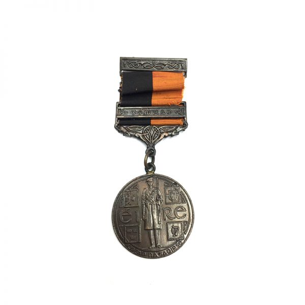 Black and Tan medal  with Comrac suspension, 1