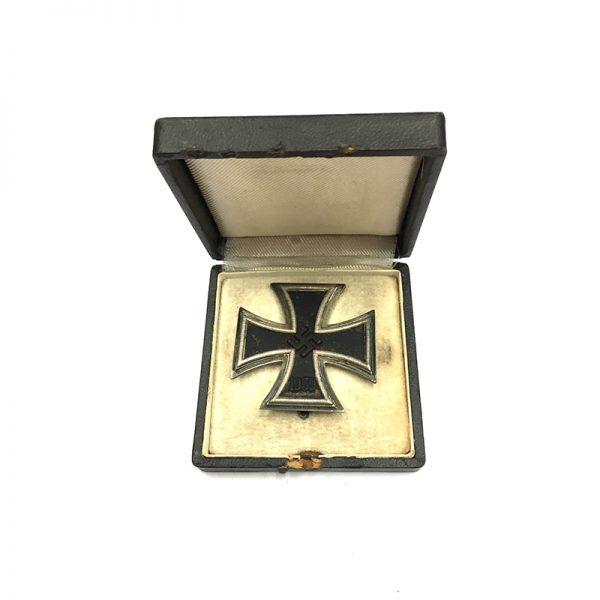 Iron Cross 1939 1st class magnetic/iron core 5