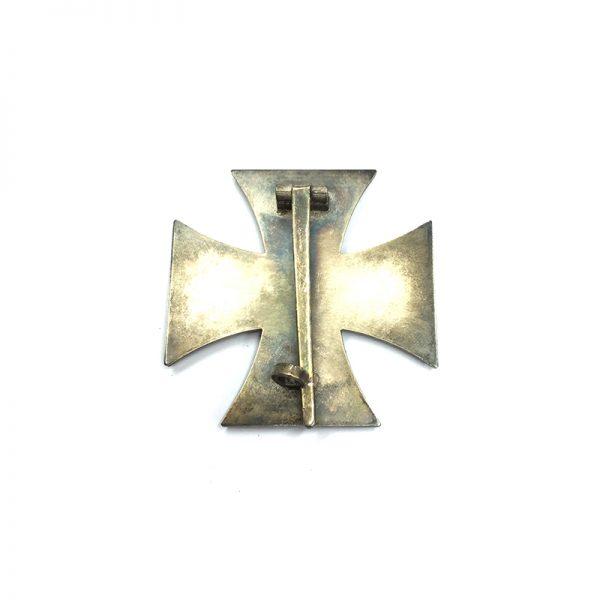 Iron Cross 1939 1st class magnetic/iron core 2