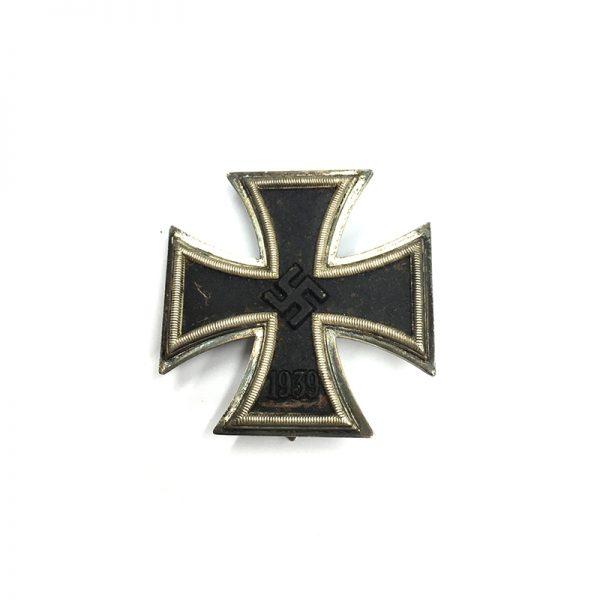 Iron Cross 1939 1st class magnetic/iron core 1