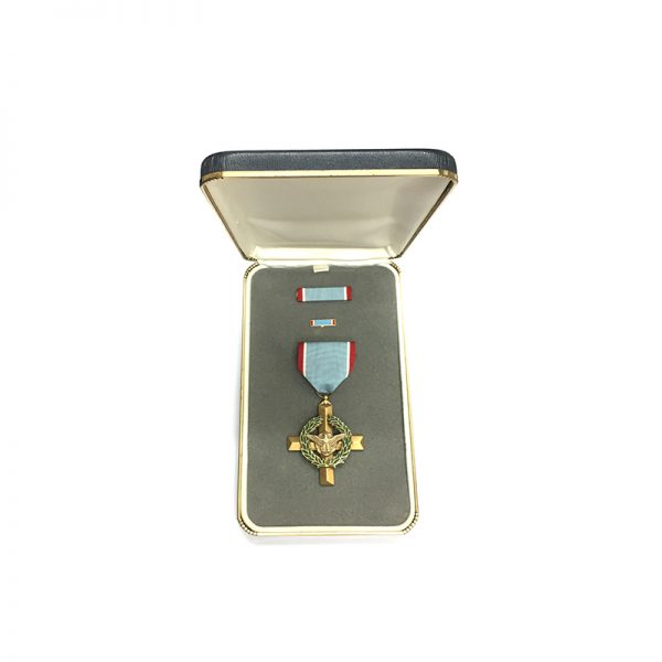 Air Force Cross early Vietnam period issue in plush untitled case 1