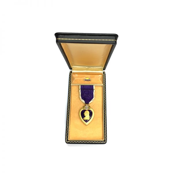 Purple Heart WW2 issue in coffin case with enamelled lapel badge and... 5