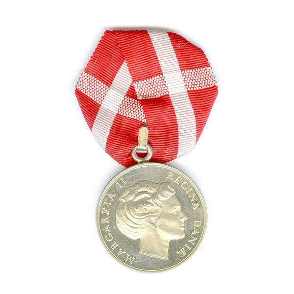 Medal of Merit  Margarethe to Henry Christopherson 1