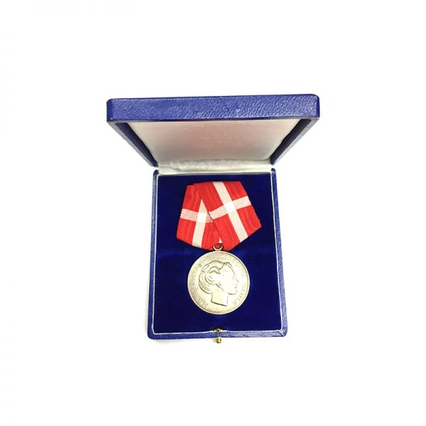 Medal of Merit  Margarethe to Paul Rasmus Rasmussen cased 5