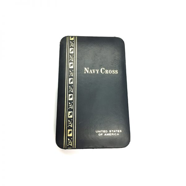 Navy Cross Vietnam period issue in embossed case of issue (L26346)  G.V.F... 3