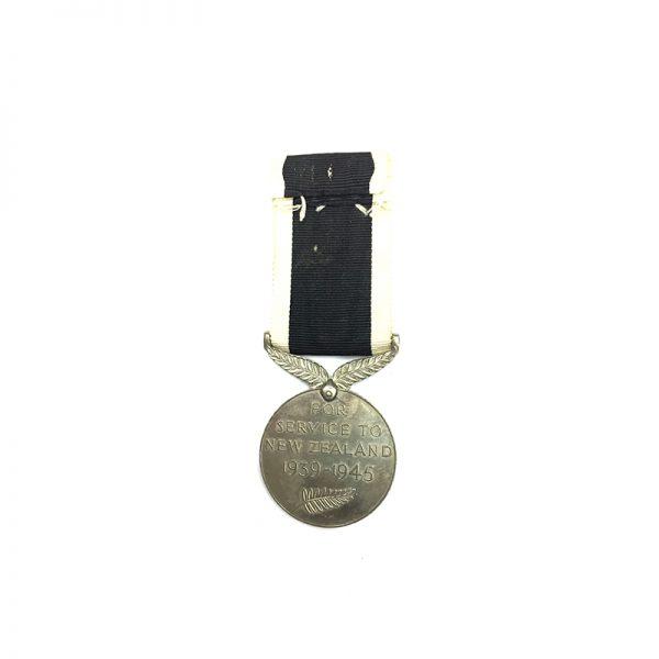 New Zealand  WW2 War Medal 1939-45 2