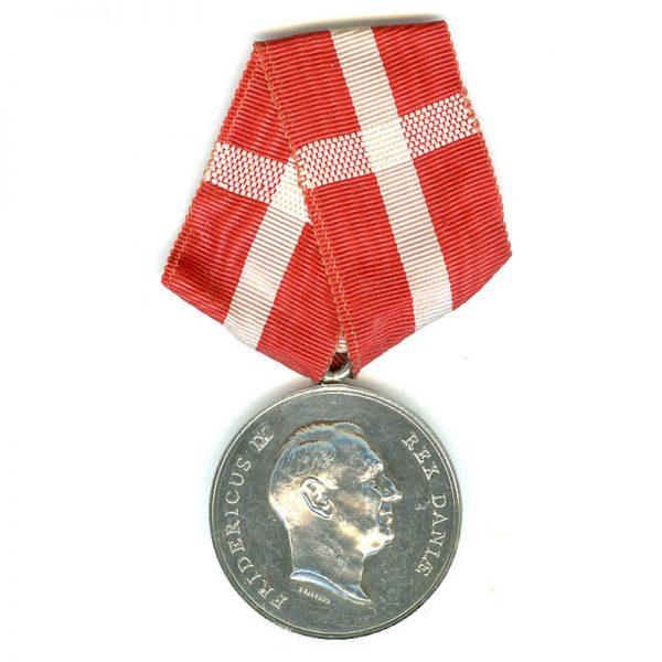 Medal of Merit  Frederick IX  to Ferdinand Mogensen 1