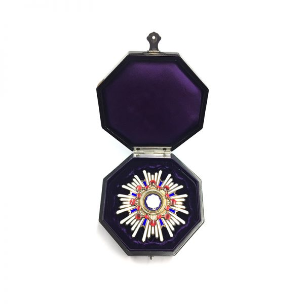 Order of the Sacred Treasure Grand Cross breast star cased 5