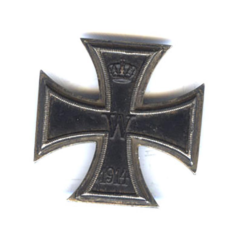 Iron Cross 1914 1st class with original large certificate to Underofficer Schumacher... 1