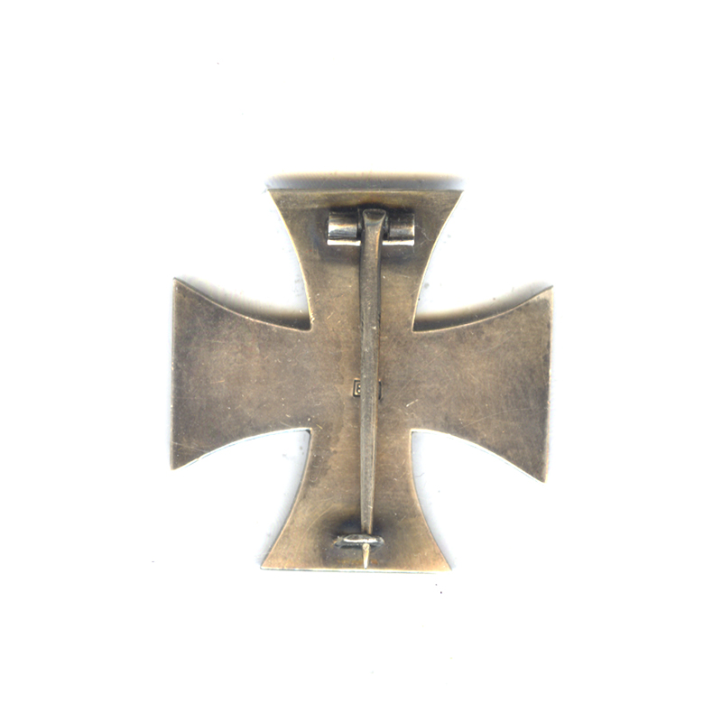 Iron Cross 1914 1st class pin back in silver marked 800 on... 2