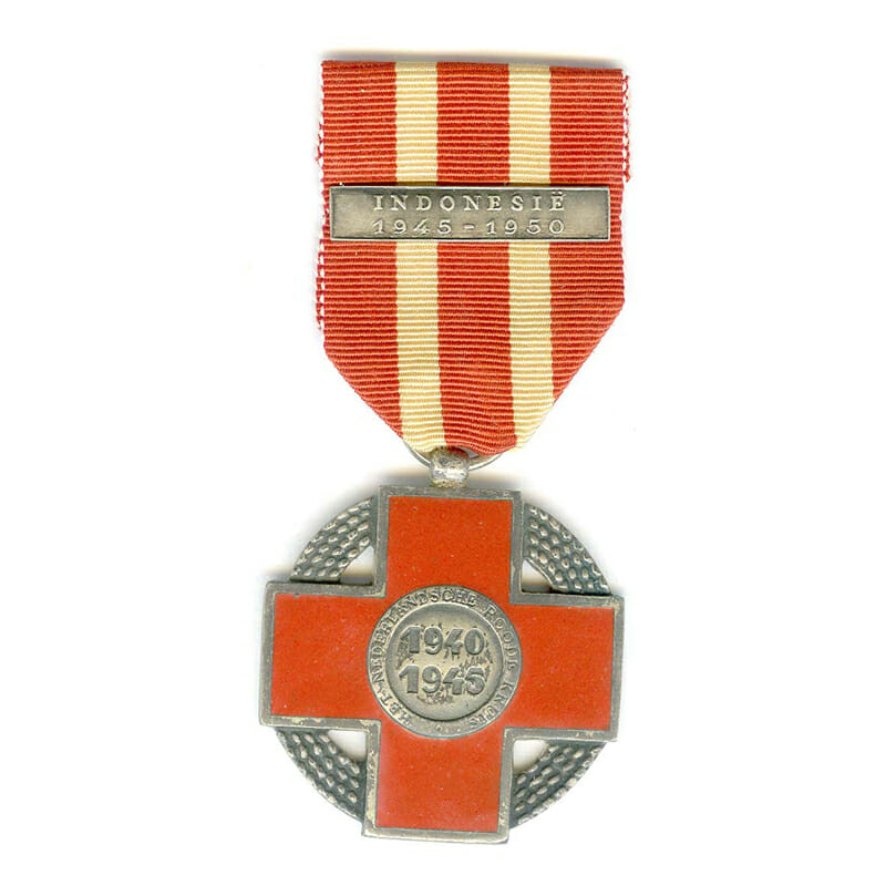 Red Cross Memorial Cross 1940-1945 bar Indonesie 1945-1950 scarce 1