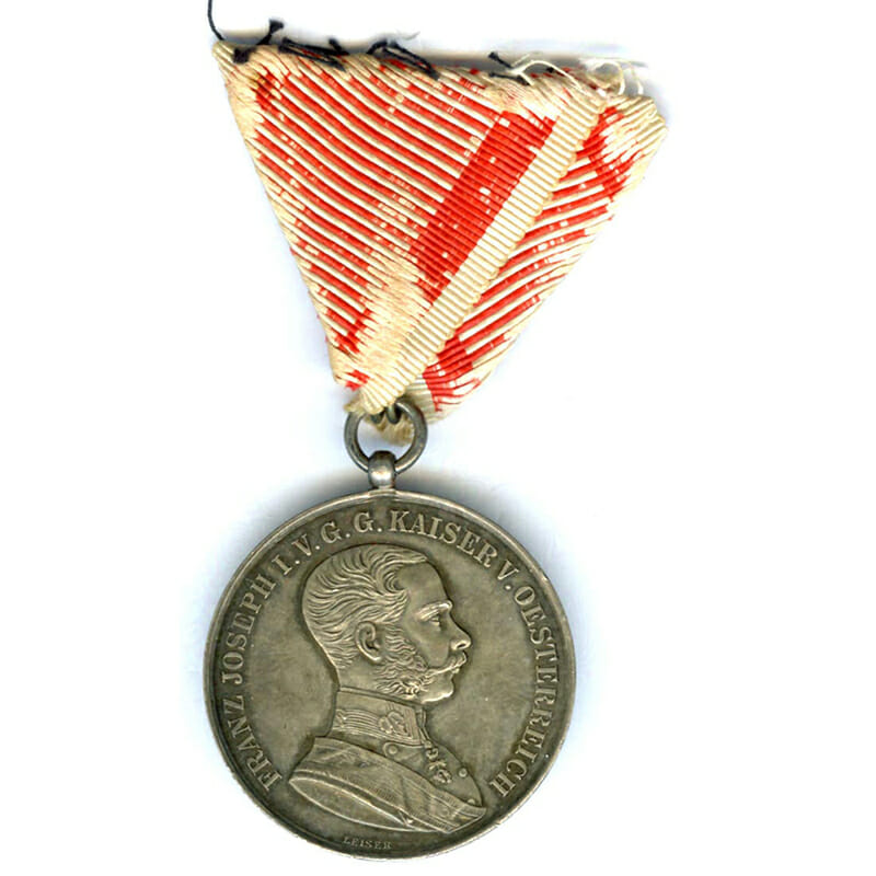 Medal for Bravery Franz Joseph 1914-1917 large silver by Leisek 1