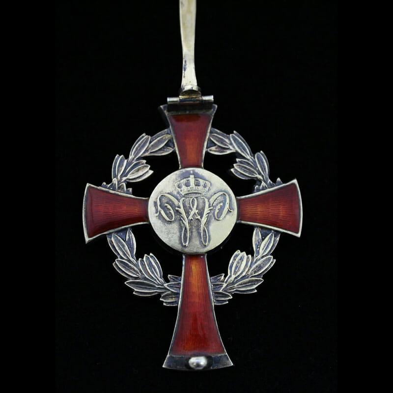 Family House Order of Orange Officer pin back breast badge 3