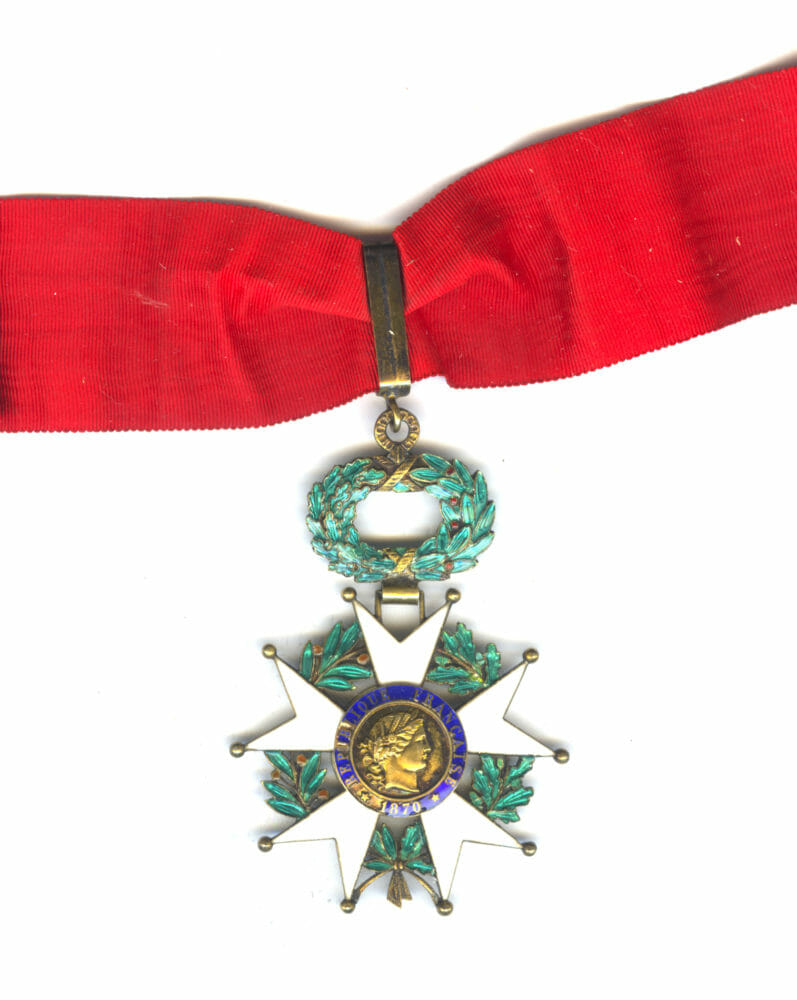 Legion D'Honneur 1870-1951 Commanders neck badge  some chipping to the legends... 1