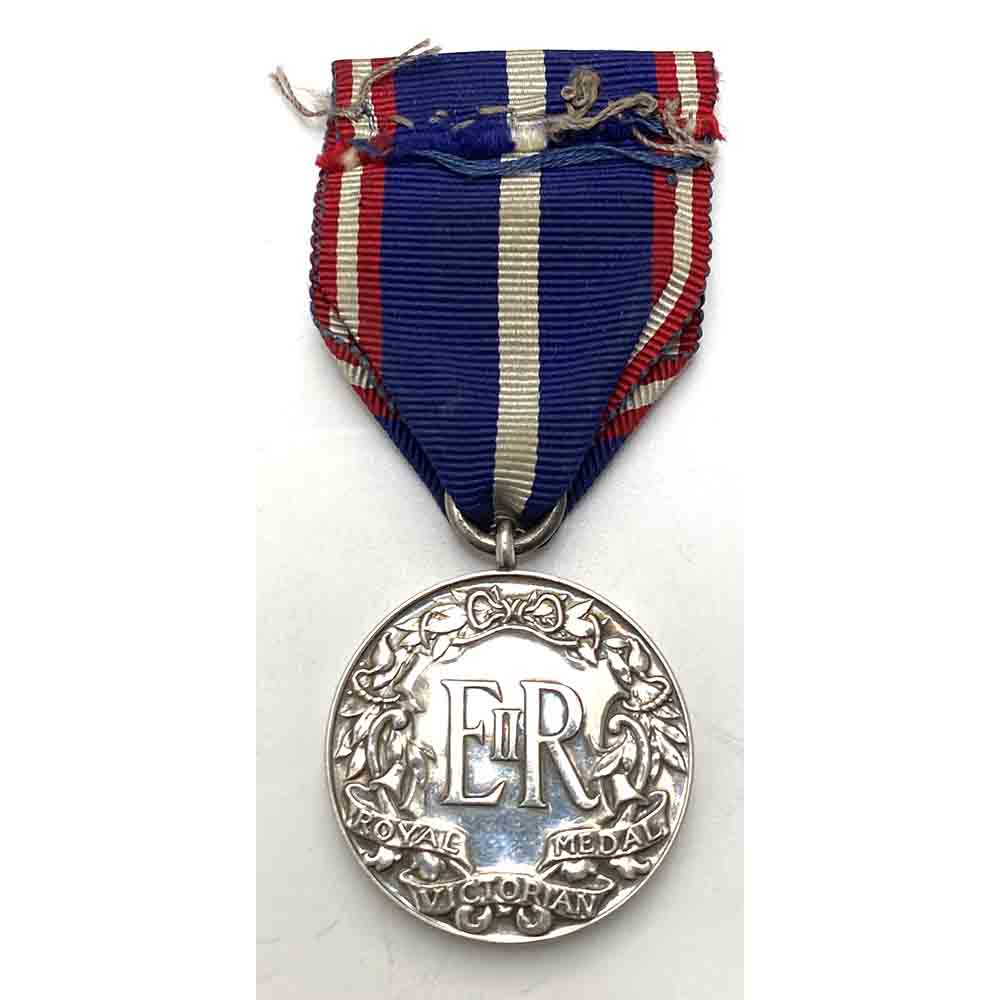 Royal Victorian Medal, 2nd Class EIIR Honorary 2