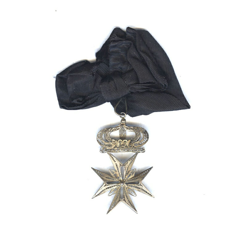 Order of Malta badge with crown 2