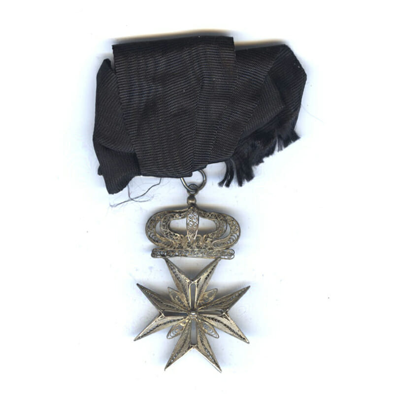 Order of Malta badge with crown 1