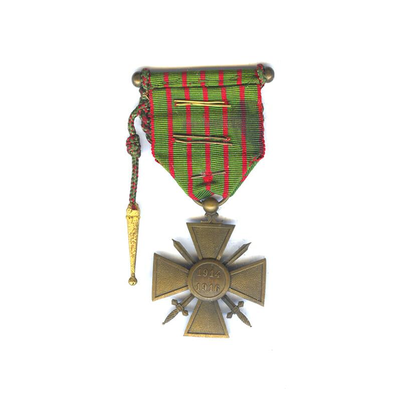 Croix de Guerre 1914-16 with Fourragère (braid) for distinction Bronze palme 2
