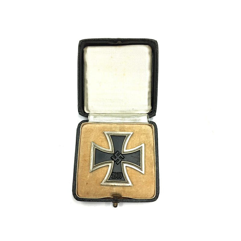 Iron Cross 1939 1st class magnetic/iron core 4