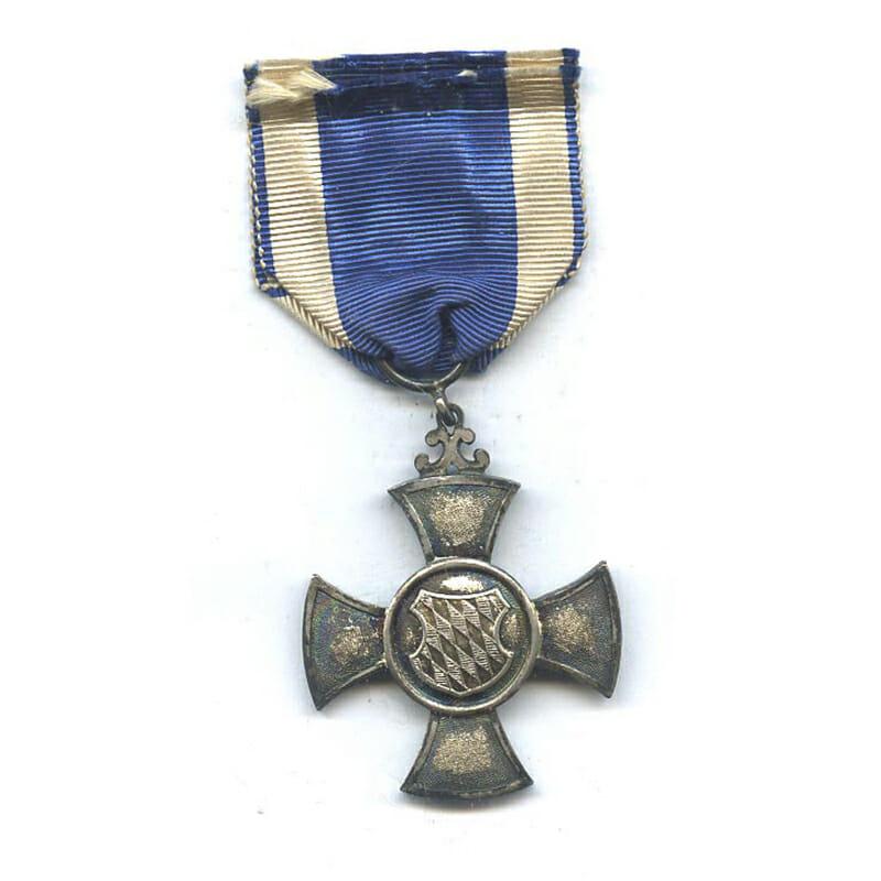 Red Cross Merit Cross for  Volunteer War Aid  1901-1918 2