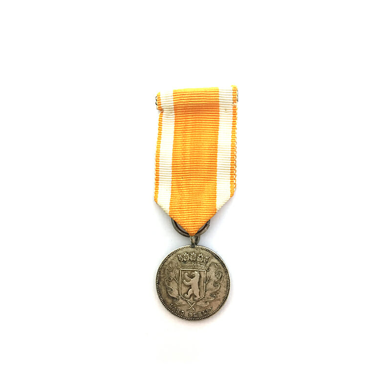 Small Lifesaving medal Land Berlin 1
