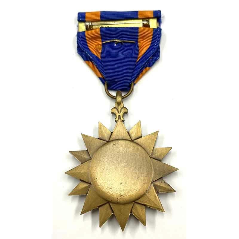Air  medal with oak leaf 2