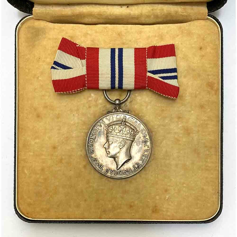 King's Medal for Courage, Ladies Issue 1