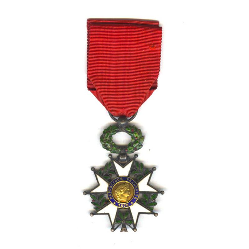 Legion D'Honneur 1870-1951 Knight  gold centre 1