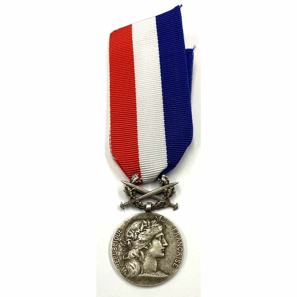 Medal of Honour of the Ministry of Foreign affairs MILITARY with swords 1