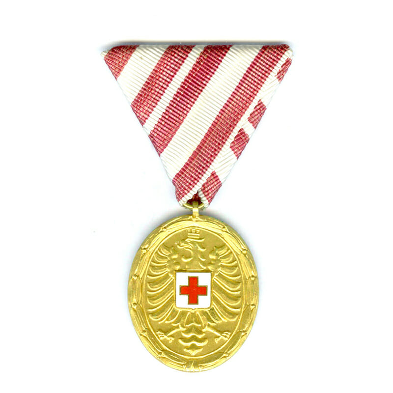 Red Cross Merit Medal Republic gilt 1