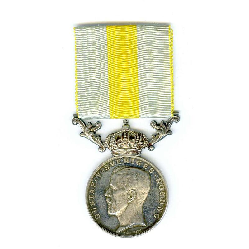 Gustav V Royal  Red Cross Merit  medal for Volunteers impresssed to H.Johannson... 1