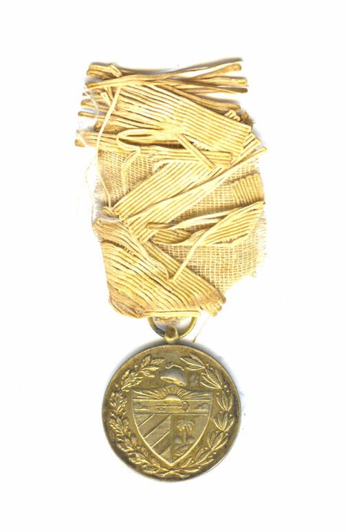 Red Cross merit medal 1909-1939 silver gilt and enamel with frayed ribbbon... 2