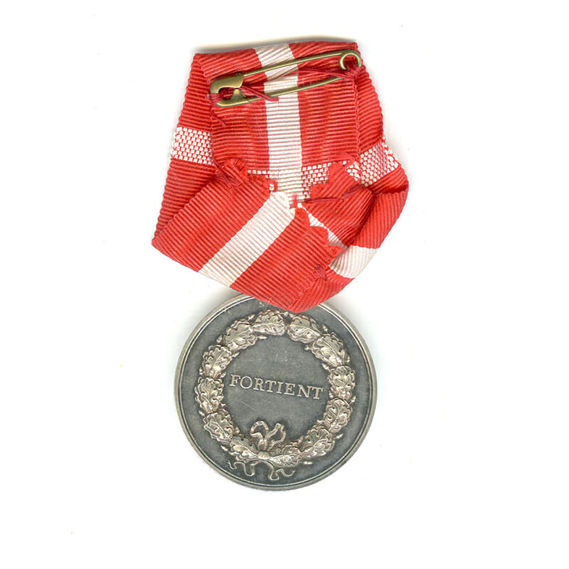 Medal of Merit  Margarethe to Edvard Olaf Olsen 2