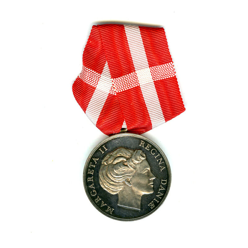 Medal of Merit  Margarethe to Edvard Olaf Olsen 1