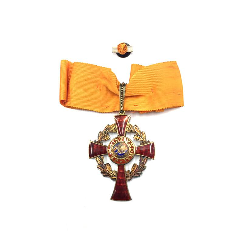 Family House Order of Orange Commander neck badge cased 1