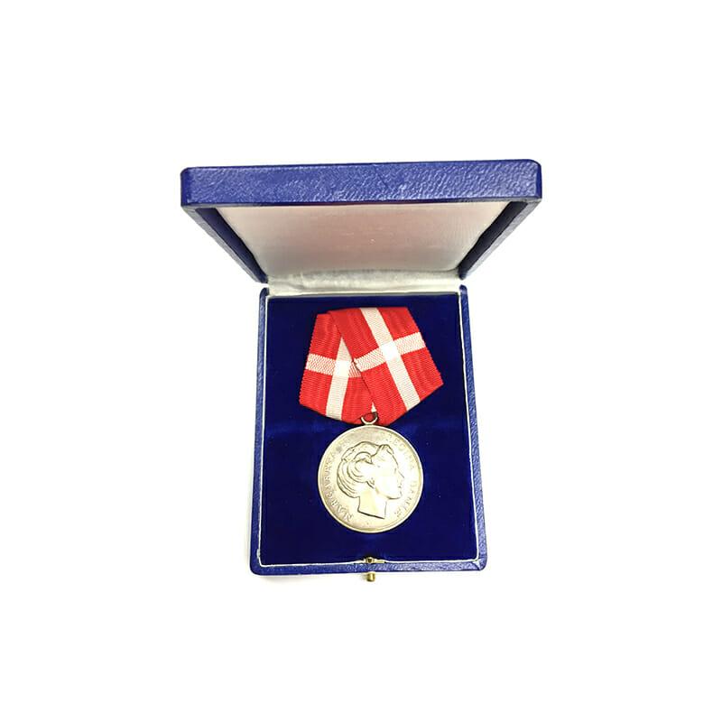 Medal of Merit  Margarethe to Paul Rasmus Rasmussen cased 5